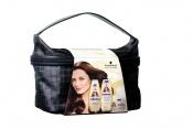 Schauma Q10 – krásná dárková taštička obsahuje šampon, balzám a pečující masku, DMOC: 259,90 Kč