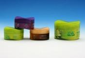 Pleťové krémy Eva Cosmetics jsou k dostání v lékárnách, maloobchodním řetězci Tesco a řetězci drogerií Schlecker a na internetu např. na www.eva-shop.cz.