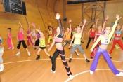 I nejmladší finalistky držely krok s lektorkou aerobiku Jitkou Exlovou