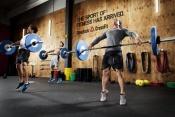 Program CrossFit: týmový duch, přátelé, zábava, soutěživost, motivace, posunování vlastních výkonů