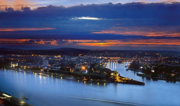 Město Koblenec ležící na soutoku Rýna s řekou Moselou bylo založeno před 2000 lety Římany.