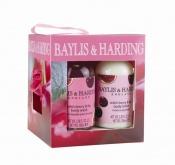 Balíček péče o tělo Baylis & Harding v ovocem poseté krabičce potěší všechny ženy, které mají rády ovocné vůně k dostání v síti parfumerií Marionnaud