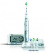 : Oral-B Professional Care Triumph® 5000, který díky své technologické vyspělosti odstraňuje až o 100 % více plaku než běžné manuální zubní kartáčky