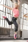 Reebok Dance: Dance Hoodie Z23391 + Dance Woven Cargo Z36248  + Dance Urlead Mid V44385
