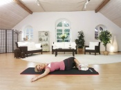 Protažení šikmých břišních svalů (boční oblast břicha)