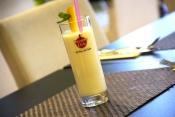 Mango lassi (mléčný koktejl s mangem)