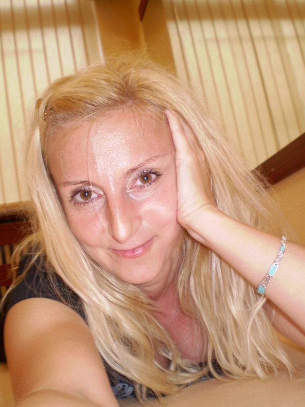 Nápovědník: Iva Hofmannová, novinářka, PR konzultant, překladatel, osobní trenér ve fitness, lektor Port de Bras® a BOSU® Core