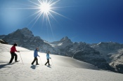 snowshoeing-grindelwald-001-by-jungfrau-region-mattias-nutt.jpg