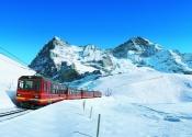 vlak-pred-horami-eiger-a-monch-foto-jungfrau-railways.jpg