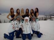Ve Špindlu si pánové málem vykroutili krky: Dorazily tam totiž finalistky Miss Aerobik 2013